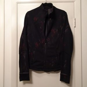 lululemon Contour Jacket | Black w/Flowers | 10 ??